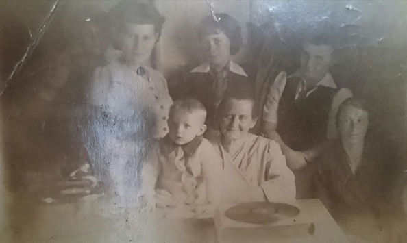 maria sasadeusz z dziecmi i mioze wnukam