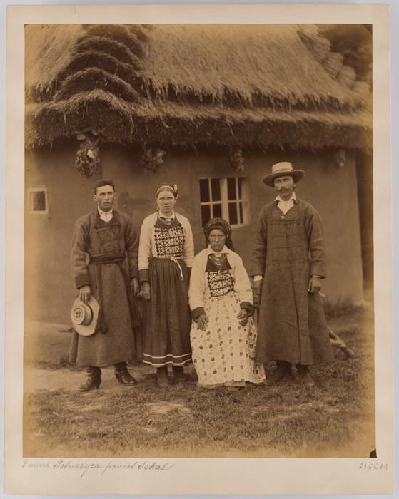 Rodzina z Poturzycy k. Sokala.