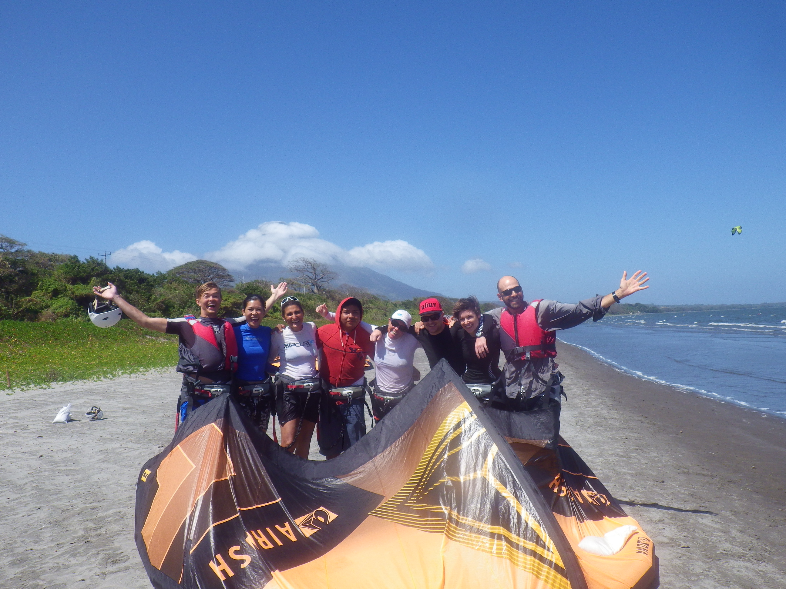Kiteboarding students on Ometepe
