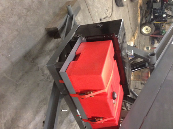 picture of the fuel tank we put on our litter conveyors that call for a self contained power unit.