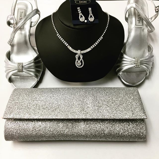 #match #accessories #prom #wedding #shoes #purse #silver #wow