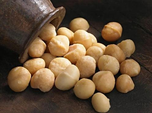 macadamia nuts.jpg