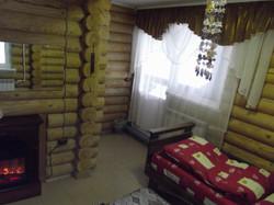 Спальня с электрокамином