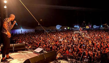 show-leo-santana.jpg