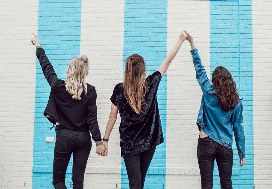 girl%20friends_edited_edited.jpg