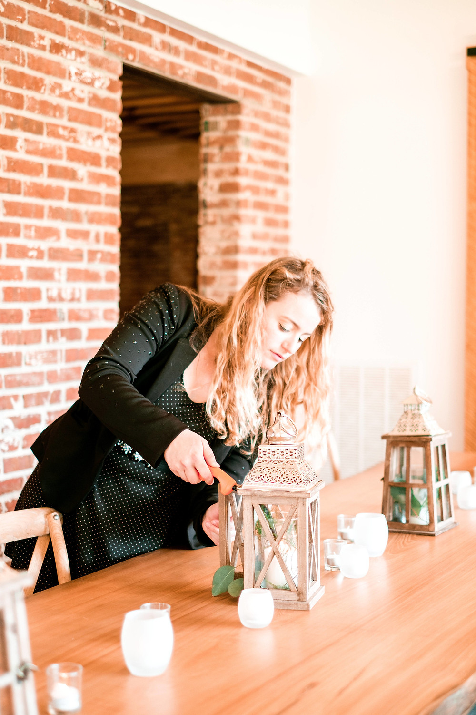 Setting the table at Stella Plantation