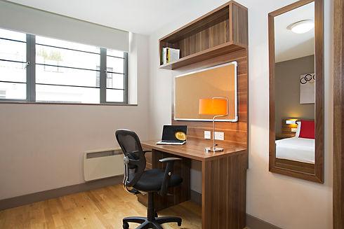 Bedroom_Desk1.jpg
