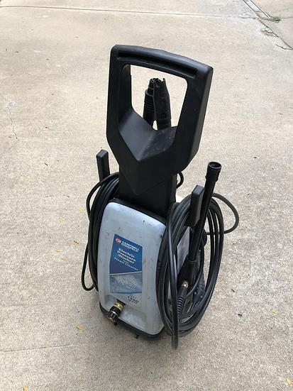 1550 psi Pressure Washer