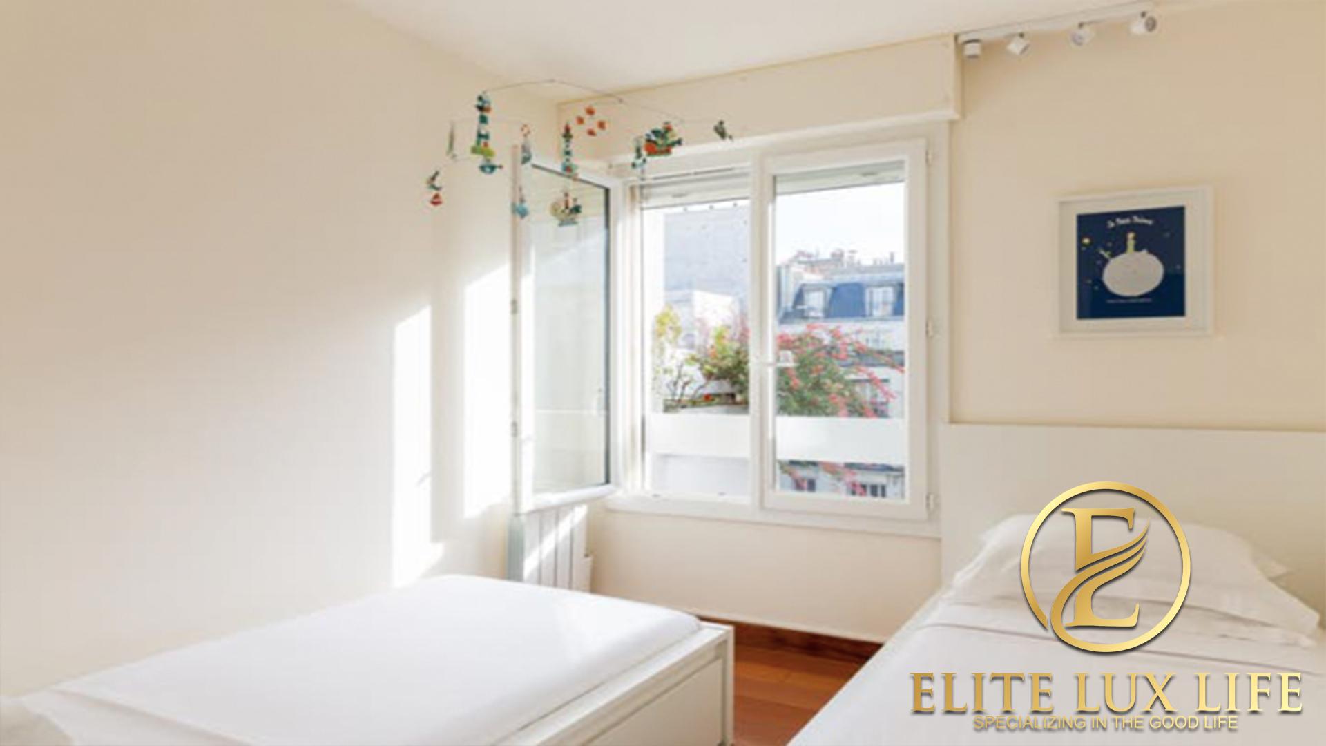 Paris Rue Elite 12
