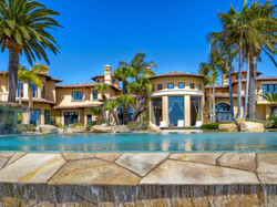 Lucky In Life Elite Estate1