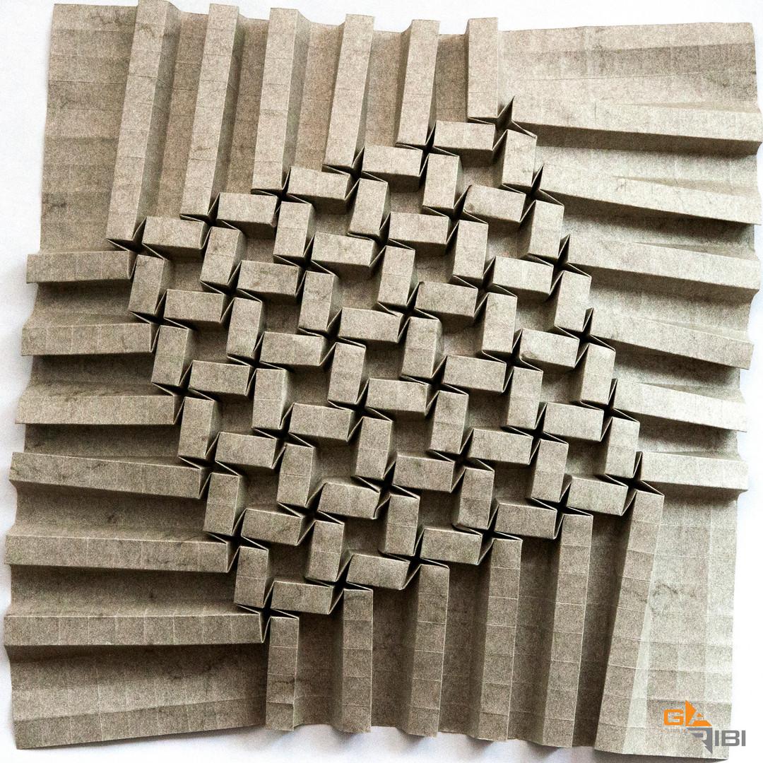 Twister, grey paper
