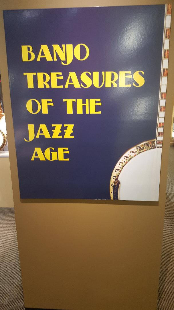 Banjo sign jazz age.jpg