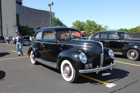 IMG_5582 black car.JPG