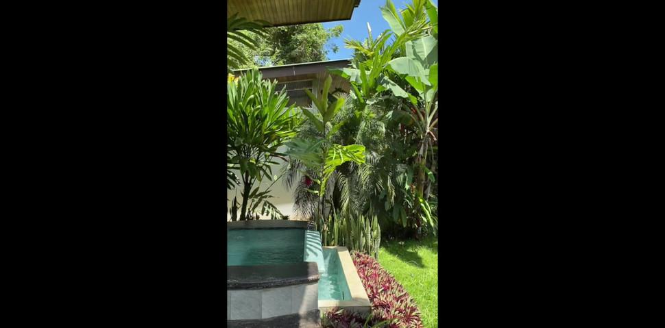 jungle villa cr.mp4