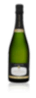 « Les nouveaux explorateurs » is a maiden voyage to the Premier Cru land of Champagne Fresne Ducret. It is an invitation to meet those who forged the family's image. Made predominately from pinot meunier, which was once the only varietal grown in Villedommange, this cuvee reveals first and foremost freshness with its apple aromas, before unveiling more complex notes of toast and raspberry.