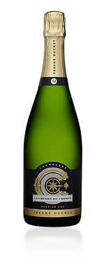 « Le Chemin du Chemin » is a foray into the spirit of Champagne Fresne Ducret. A true philosophical treatise, this cuvée will guide you through a realm of balance, bringing together toasted notes, exotic moreishness and a gentle astringency It is a harbinger of a new world where maturity reigns high.