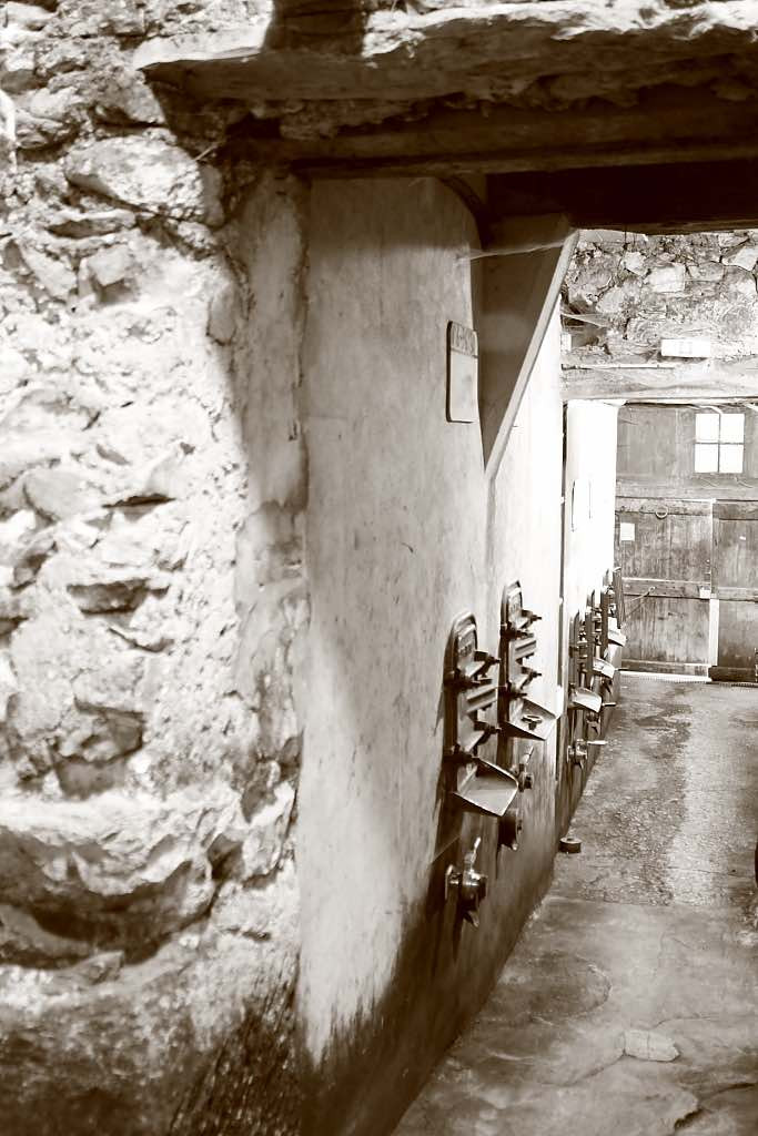 cave1-3.jpg