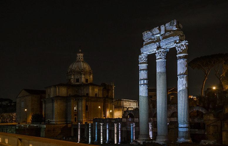 Foro de Roma noche