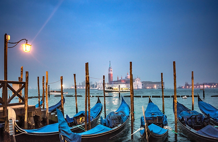 Gondolas y San Giorgio Maggiore.