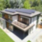 casa-paneles-solares_edited.jpg