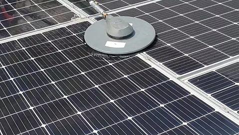 Servicio de mantenimiento preventivo y limpieza de paneles solares.