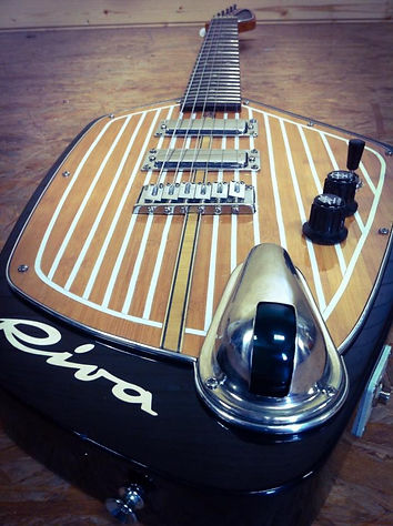 Oakwoods Riva boat guitar