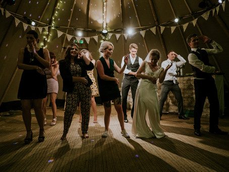Marrying the Perfect Wedding DJ