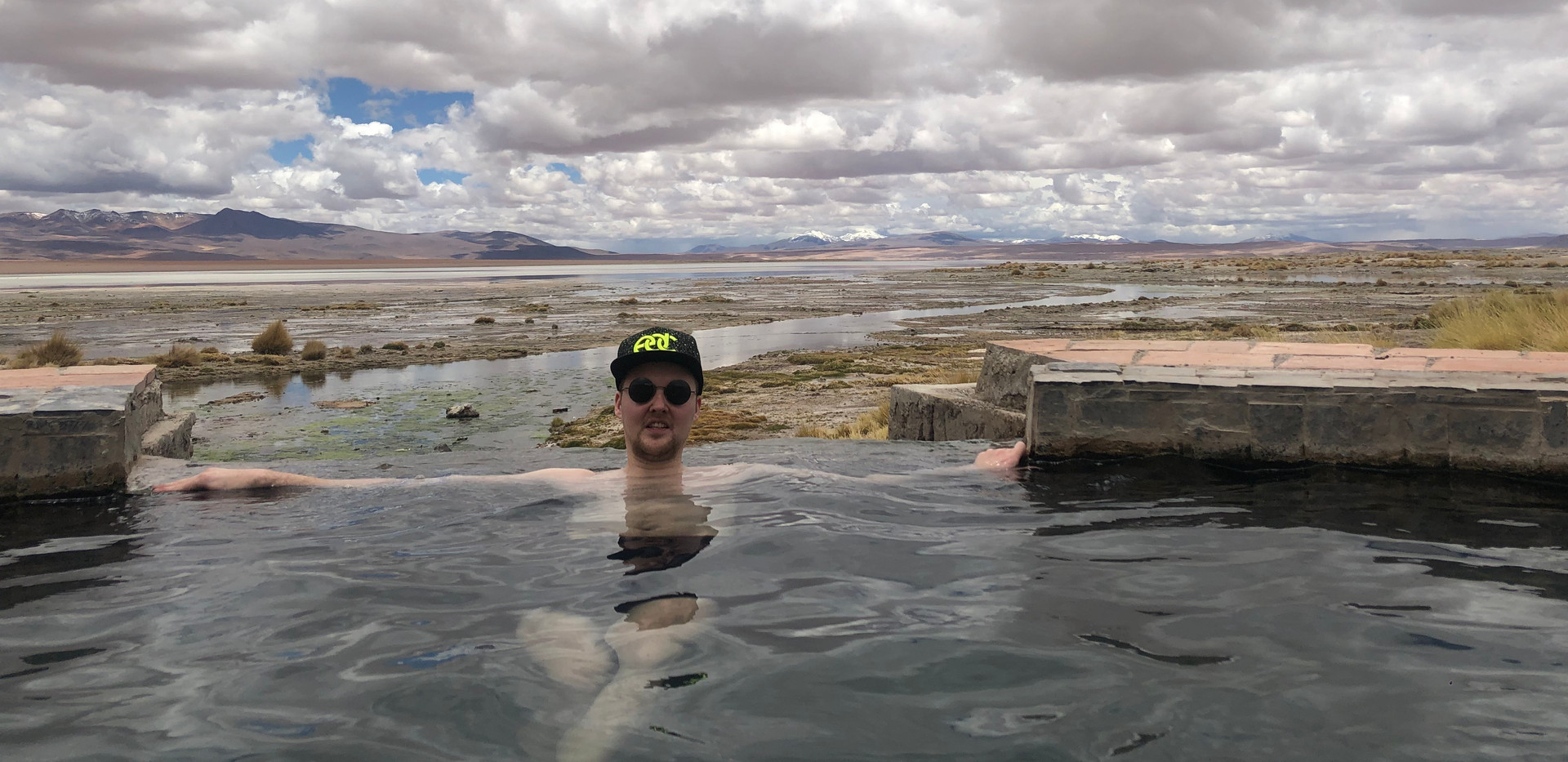 Naturale Hot Springs