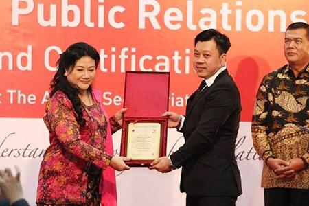 PR BREAKING NEWS: Ông Nguyễn Quốc Bảo được trao tặng giải thưởng Certification of Excellence in PR