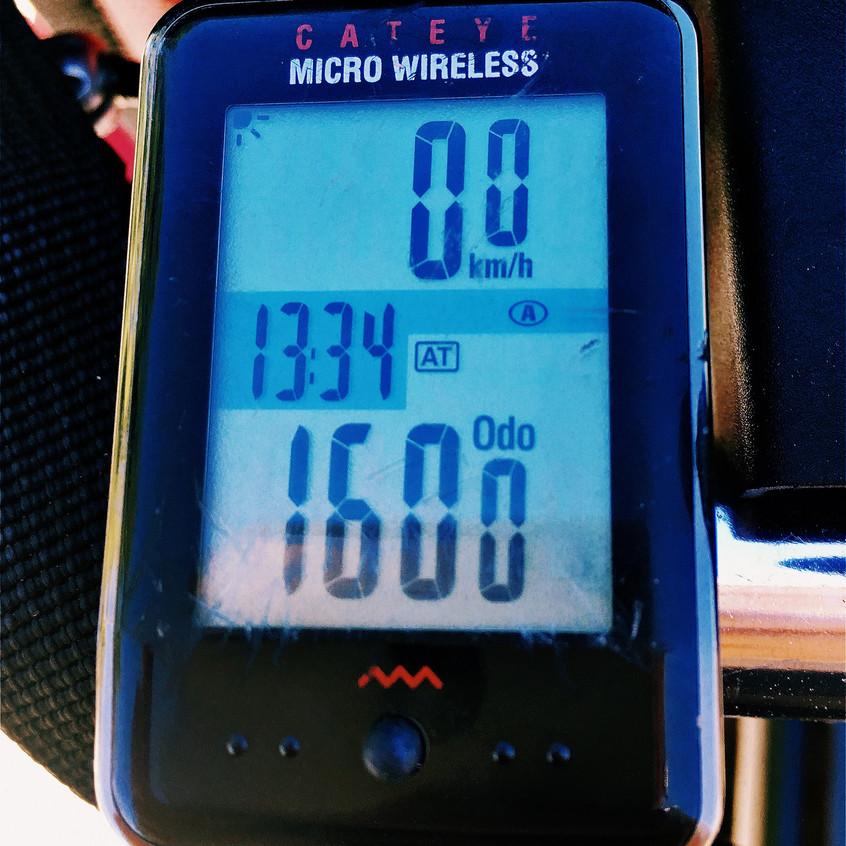 1600 km = 1000 m