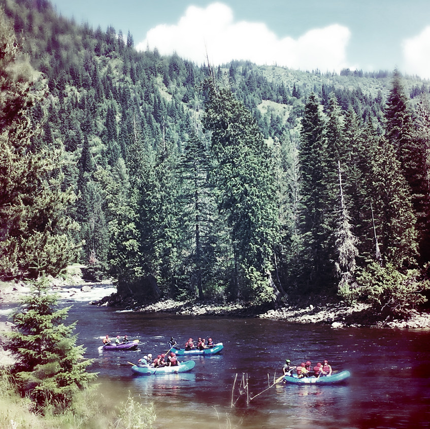I want to go rafting too!