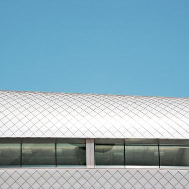 Resumen edificio con azulejos
