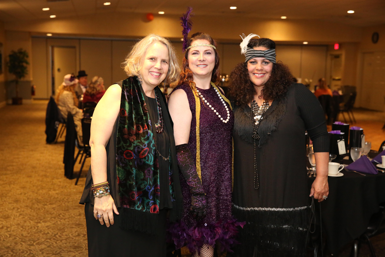 Mediums Dora, Diane and Nina
