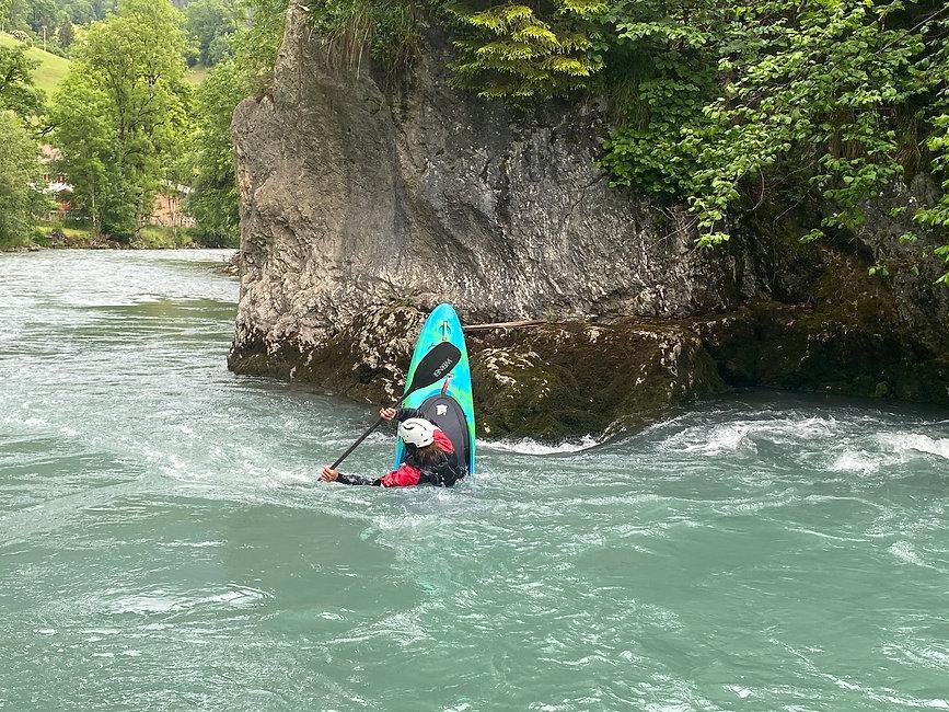Im Play the River Kurs lernst du das perfekte Unterschneiden! - LosLeones.ch