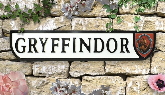 Potter Gryffindor Wall Plaque - Wood