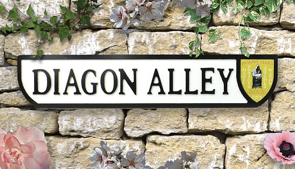 Potter Diagon Alley Wall Plaque - wooden