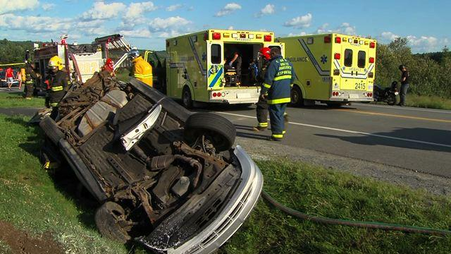 Accident impliquant trois véhicules
