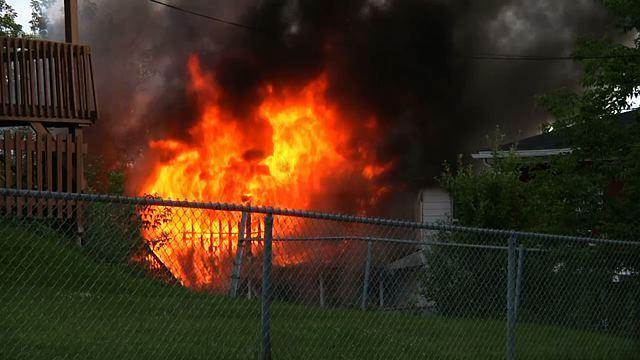 Le feu cause des dommages importants