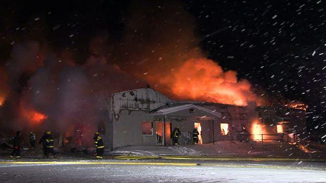 Un incendie détruit une usine de