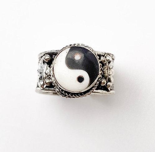 Small Yin Yang Ring