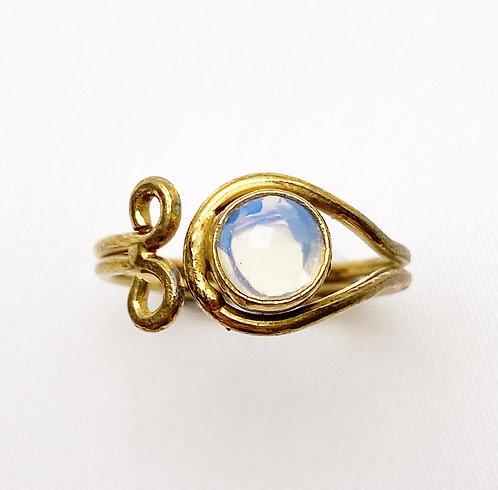 White Agate Brass Spiral Ring