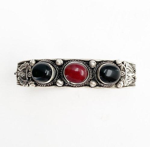 Red Jasper & Onyx Tripal Bracelet
