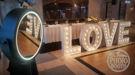 Mirror Booth - Wedding Setup