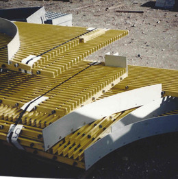 FRP Grating with FRP Toe Plate Attached