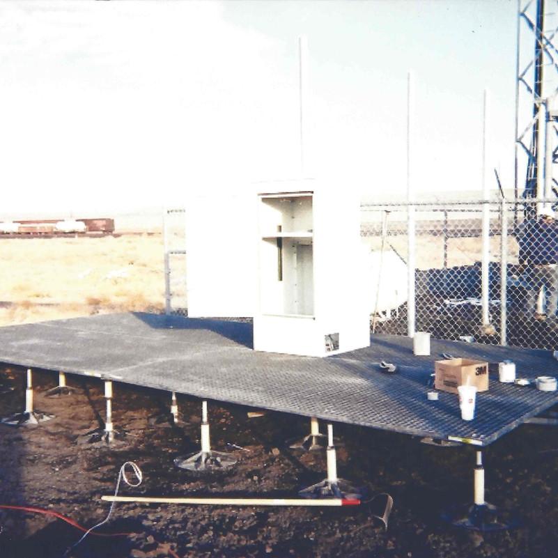 Fiberglass Flooring & Pedestal System