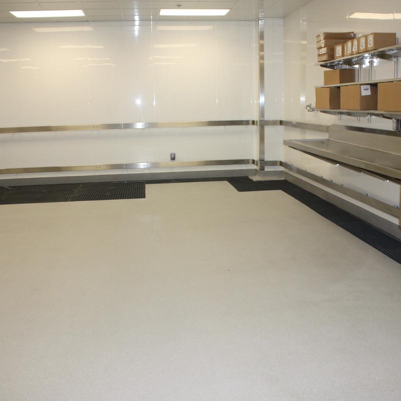 Molded Fiberglass Grating Floor & Pedestal System