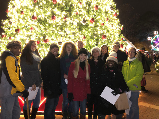 "Regent ""Christmas Village""Carolers"