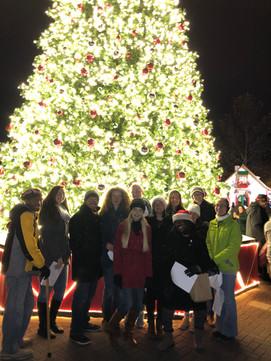 "Regent ""Christmas Village""Carolers"