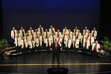 2020-Chorus in Wht-22.JPG