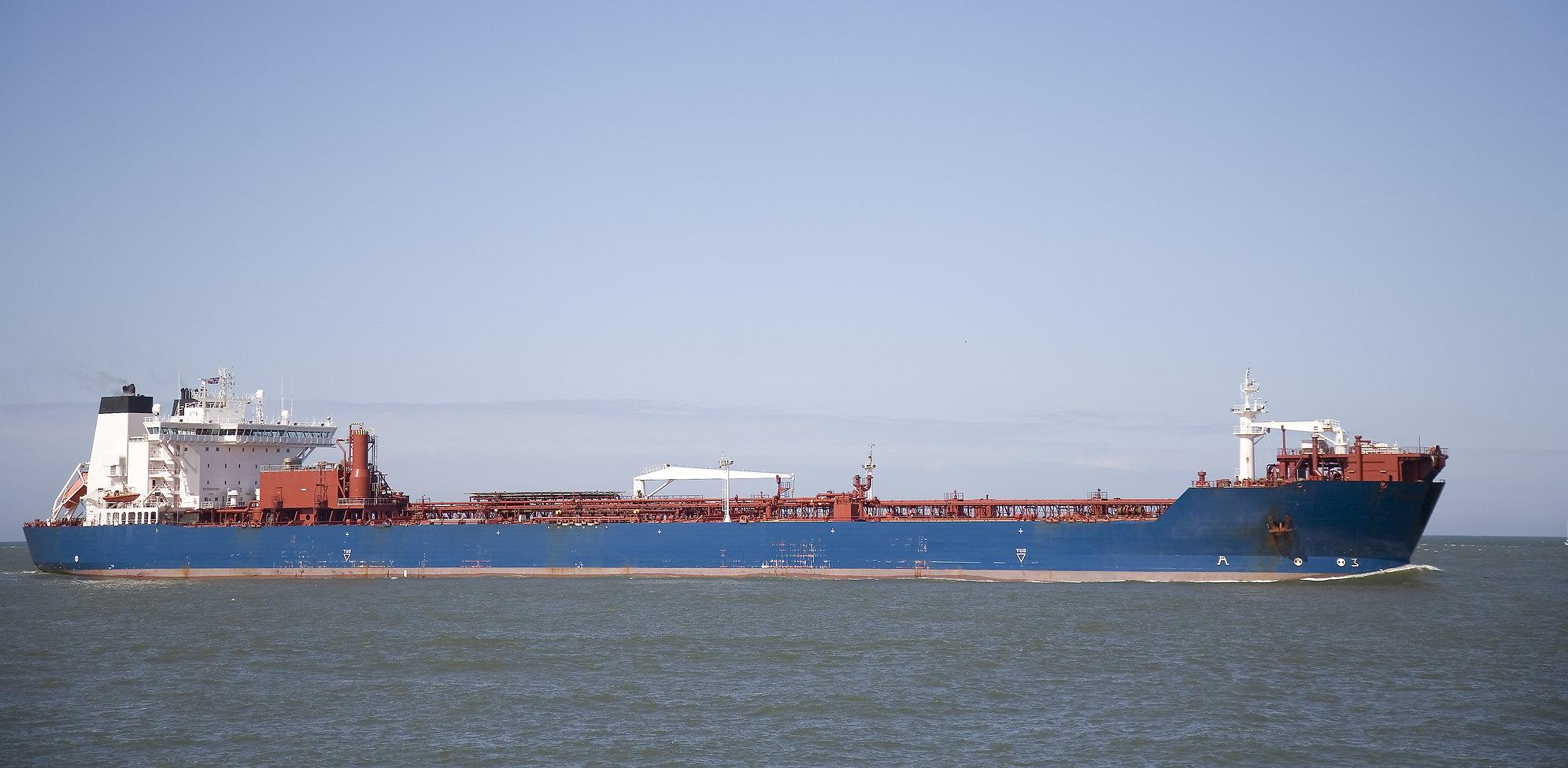cargo-ship-3-2221362.jpg